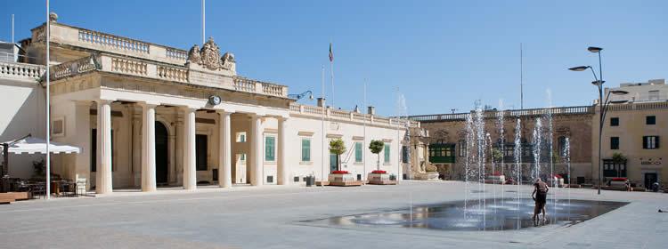 Cosa Vedere a Malta - St George Square a Valletta